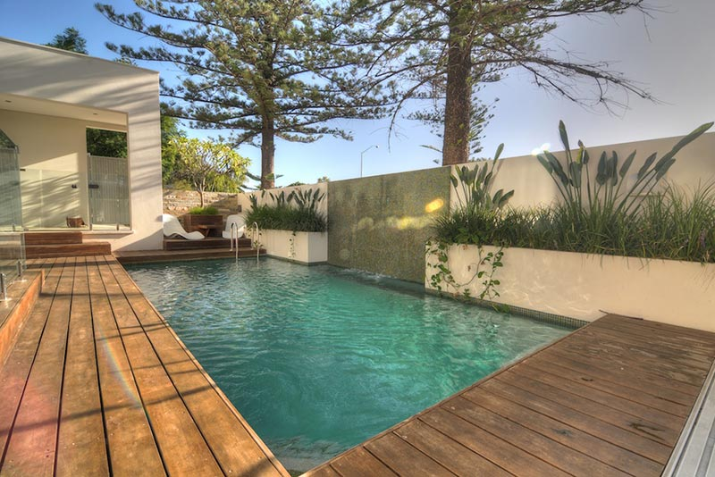 Cottesloe Concrete Geometric Pool with Planter and Water Feature