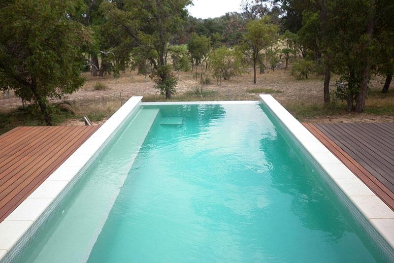 Baldivis Concrete Infinity Edge Pool - Spillover