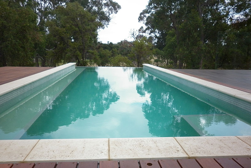 Baldivis Concrete Infinity Edge Pool coping and decking