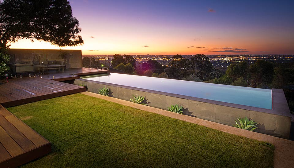 Infinity edge pools pools by design perth for Pool design perth