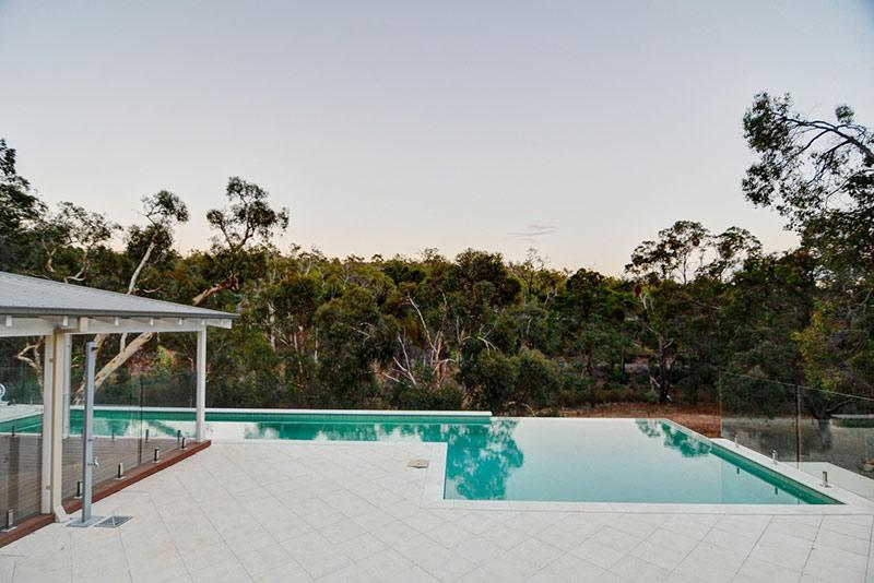 Hovea Concrete Infinity Edge Pool with Swim Out