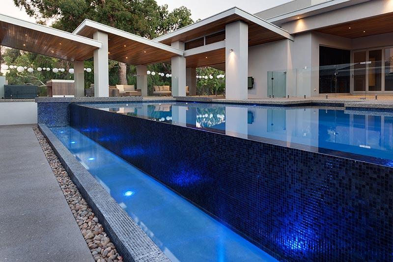Banjup Concrete Infinity Edge Pool - Mosaic Tiling