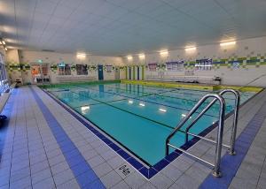 State Swim Kwinana Learn to Swim Pool - Entry Ladder