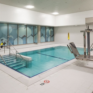 Midland Hydrotherapy Pool - Entry Steps and Hoist