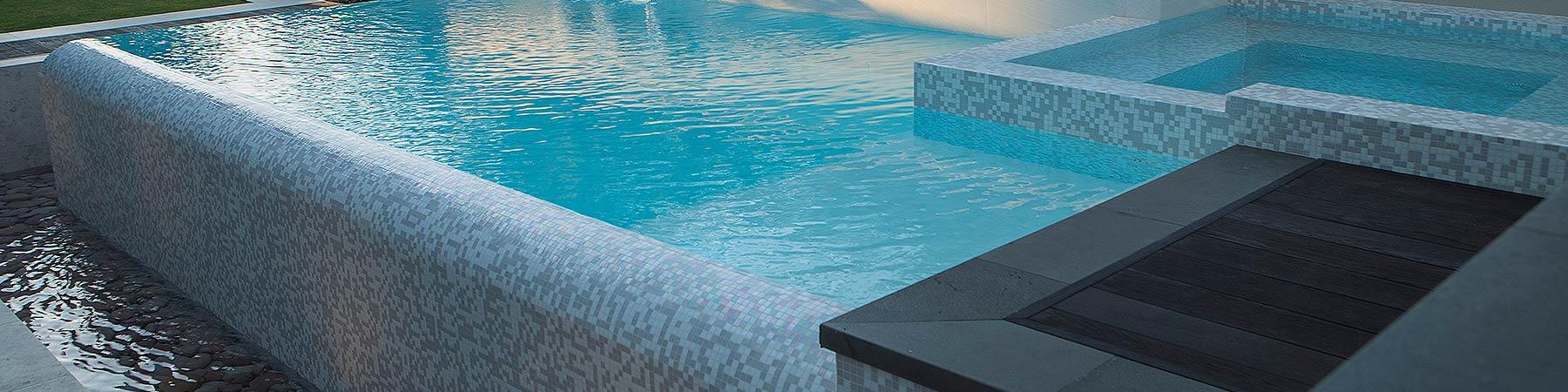 Madora-Bay-Infinity-Edge-Pool-and-Spa