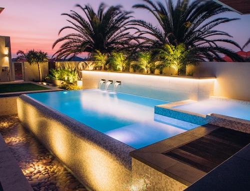 The darlington pools by design geometric pool for Pool design hamilton