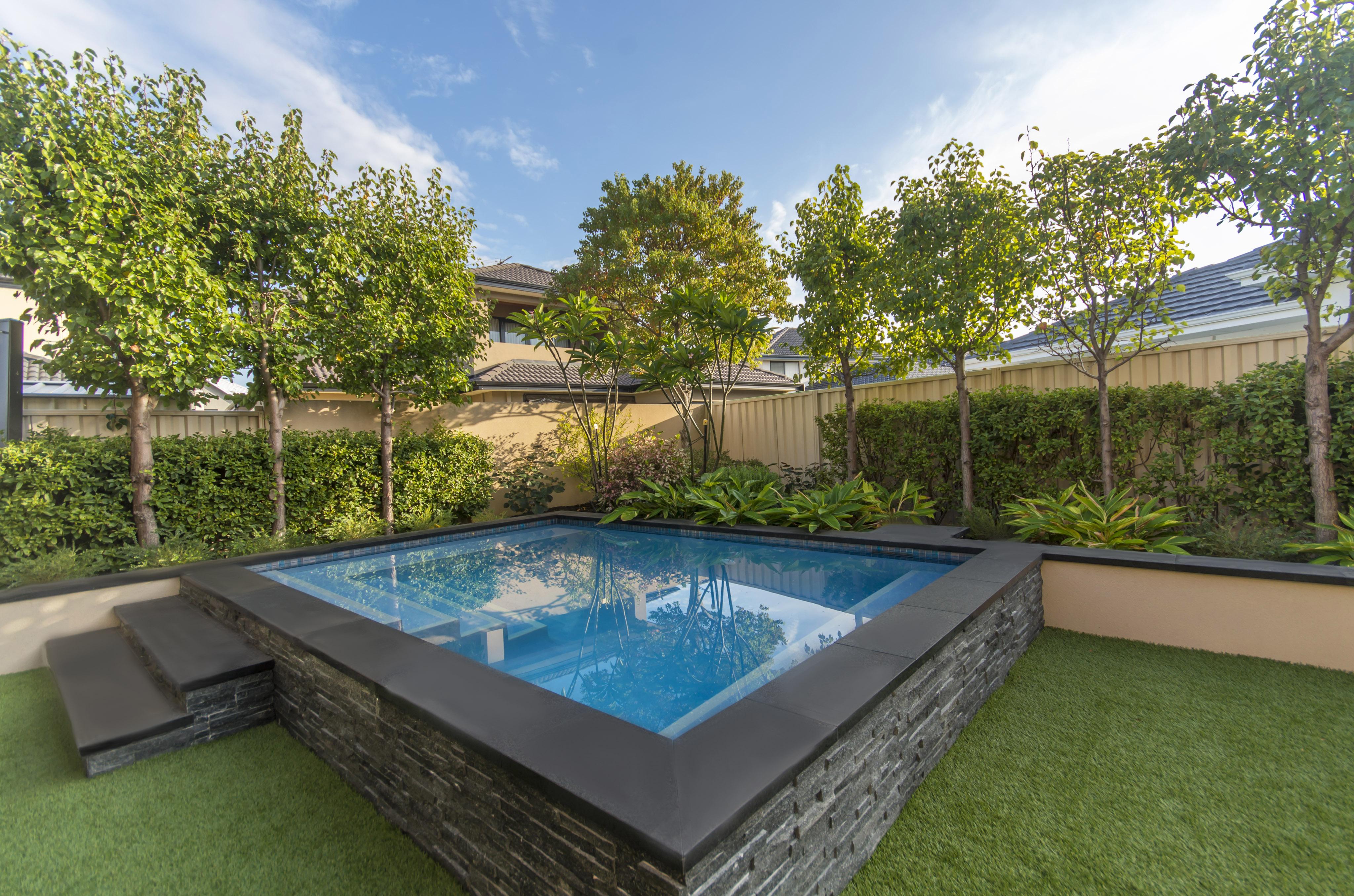 2017 Bronze Winner – Residential Courtyard/Plunge Pool - Pools by ...